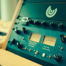 Dynamics & Outboard Equipment - Tegeler Vari Tube Compressor