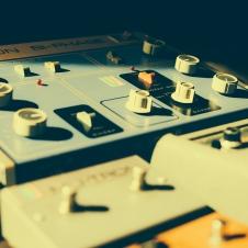 Vintage Effect Pedals - Roland CE-1 - Musitronics Mutron 3 - Electro Harmonix Big Muff